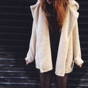 Brandy Melville Sandra Faux Fur Coat